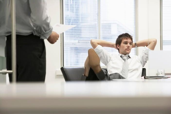 5_Negative_Employee_Habits_That_Slow_Down_The_Payroll_Process.jpg