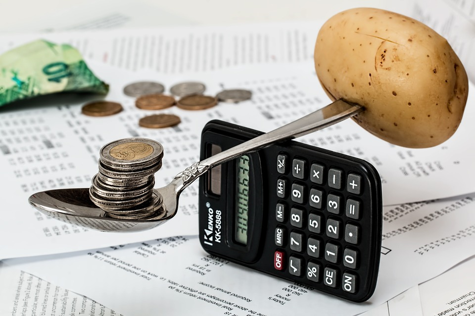 How to manage business finances effectively