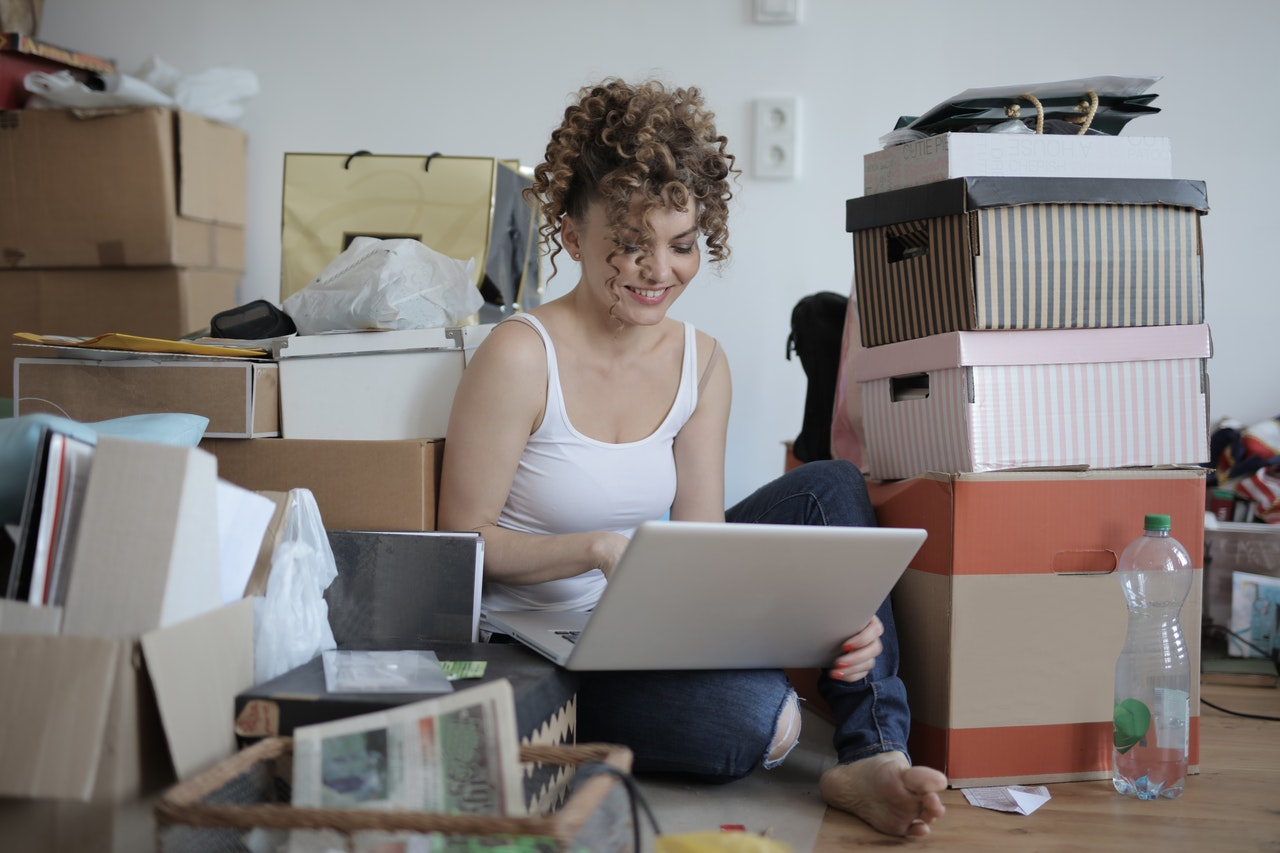 woman building a self-hosted e-commerce