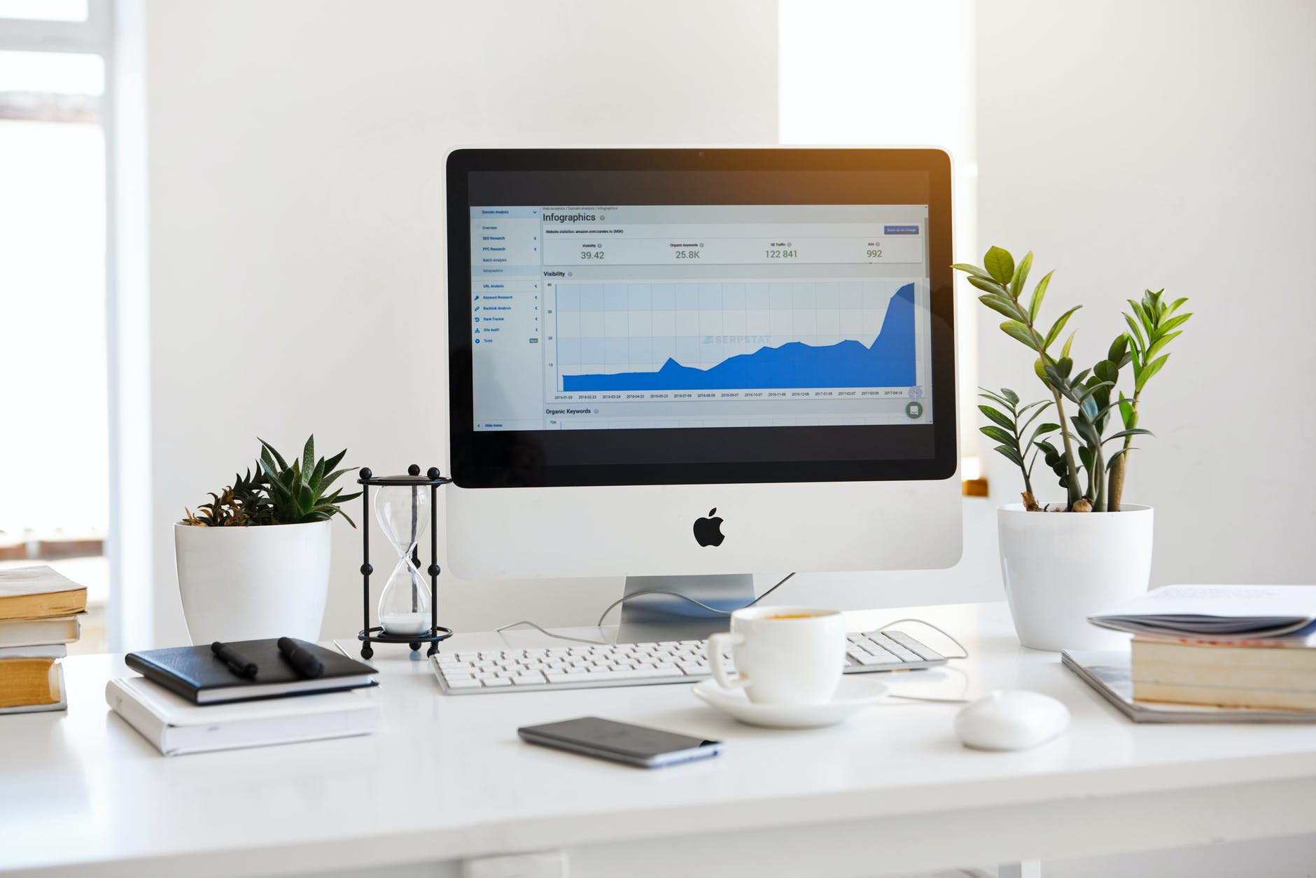 small business cloud accounting displayed in desktop